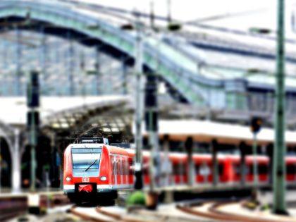 Trenitalia: 23 ore di ritardo impongono il risarcimento al viaggiatore